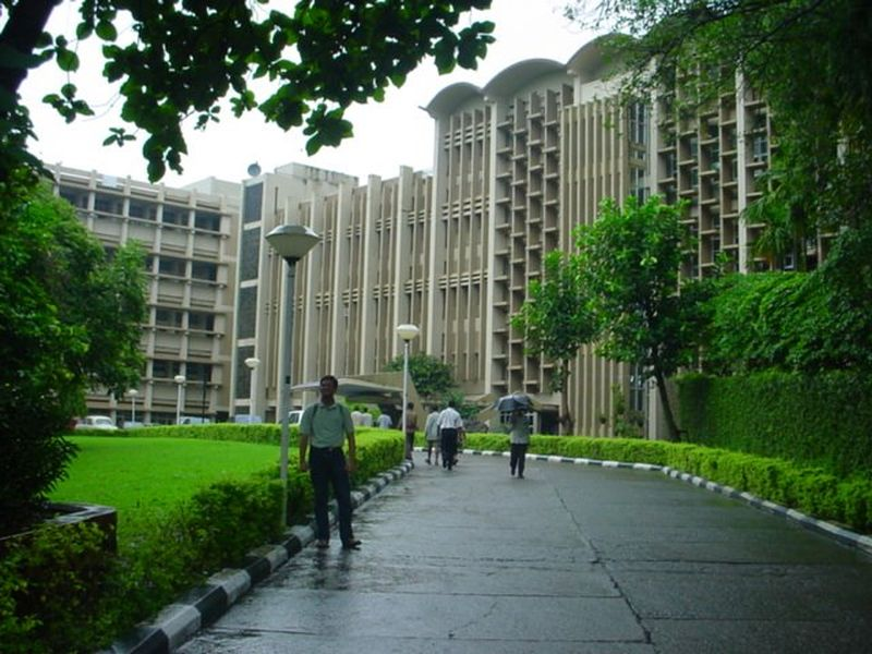 IIT mumbai campus main building