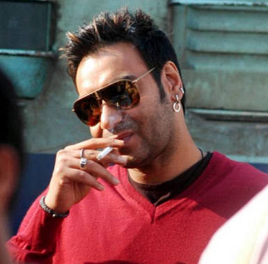 ajay devgan chain smoker