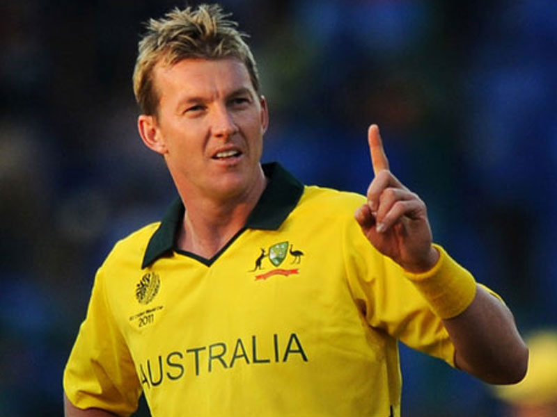 how much does brett lee earn