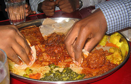 indians eat with hands