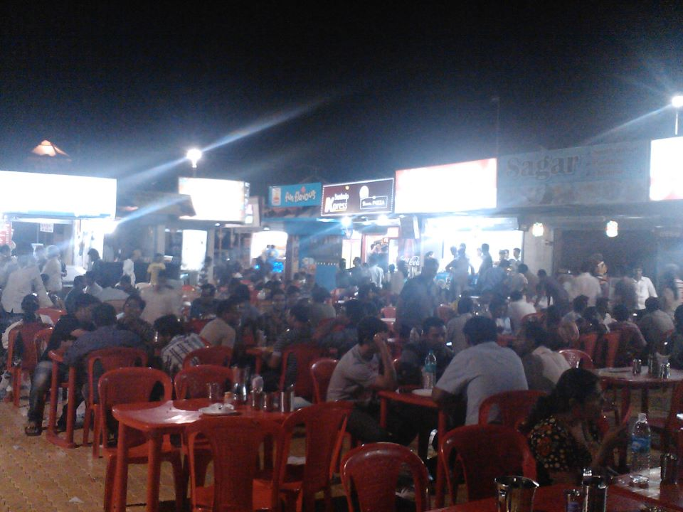 late night hangout at ratribazar