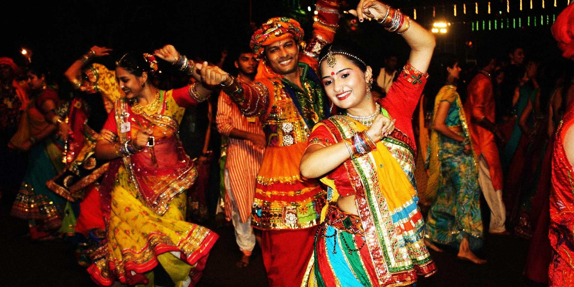 people look beautiful in chaniya choli and kurta in navratri