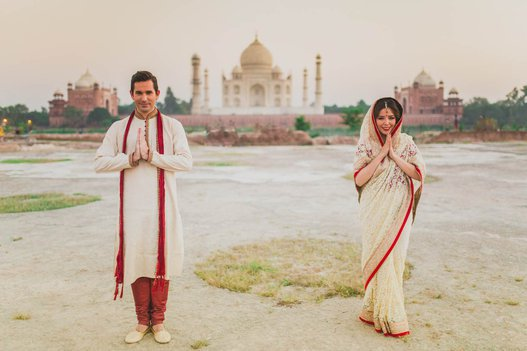 couple come to india for pre wedding photoshoot