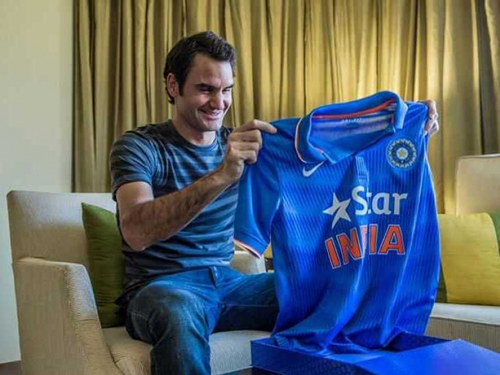 roger federer with indian tee
