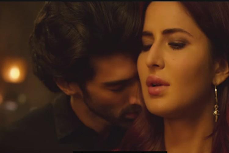 aditya roy kapoor and katrina kissing scene photos in fitoor