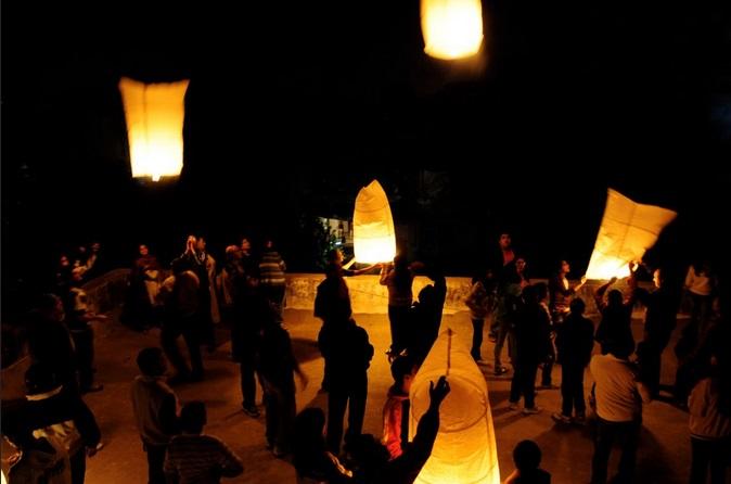 hot air baloons during uttarayan
