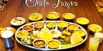 CheckOut These 7 Delicious Food Dishes Which You Can Get ONLYYYY In Ahmedabad