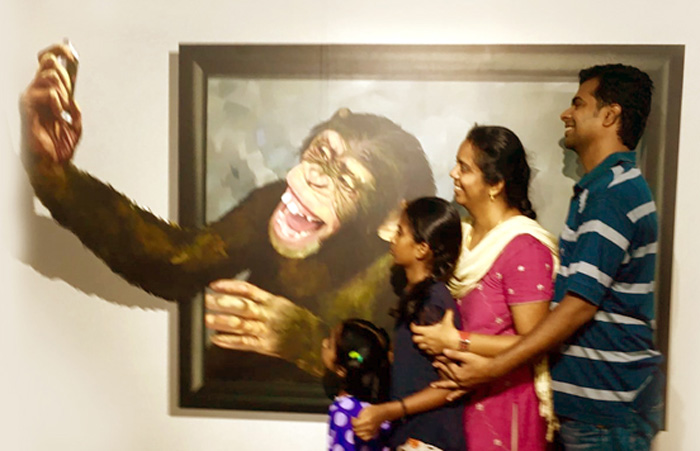 Selfie time with the chimpanzee 3d art museum in chennai
