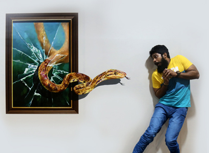 snake coming out of frame chennai 3d museum