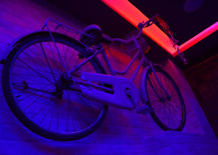 Phoebe's cycle at friends cafe kolkata
