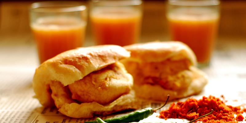 10 Mouth-Watering Eateries of Mumbai