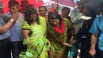 Mumbai's Vasai-Virar Mayor waters plants despite heavy rains and people can't stop laughing