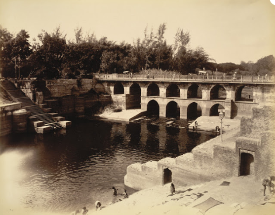 Old Vishwamitri Bridge