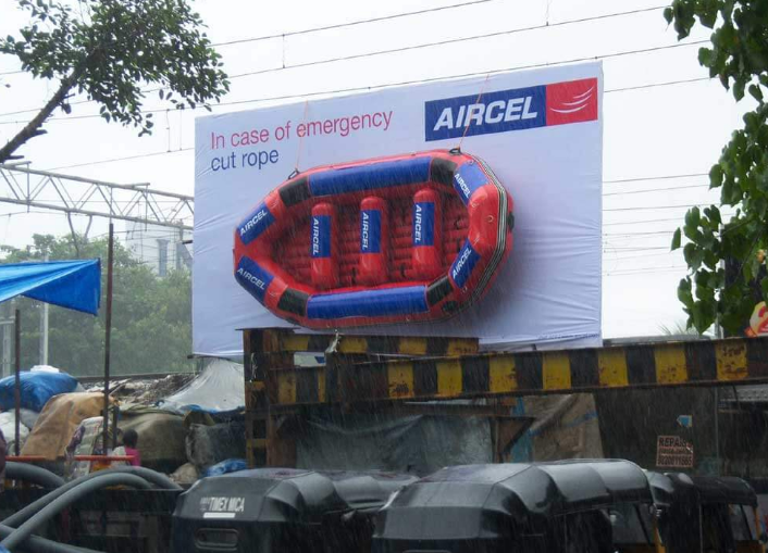 Aircel's Emergency Lifeboat Worth Rs. 2.5 lakh Stolen From Hoarding. Welcome To India