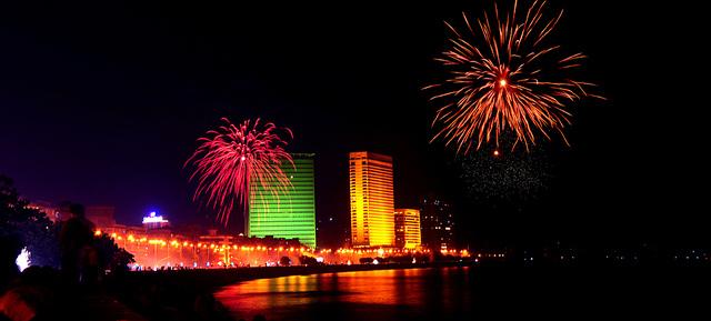 diwali fireworks at marine drive