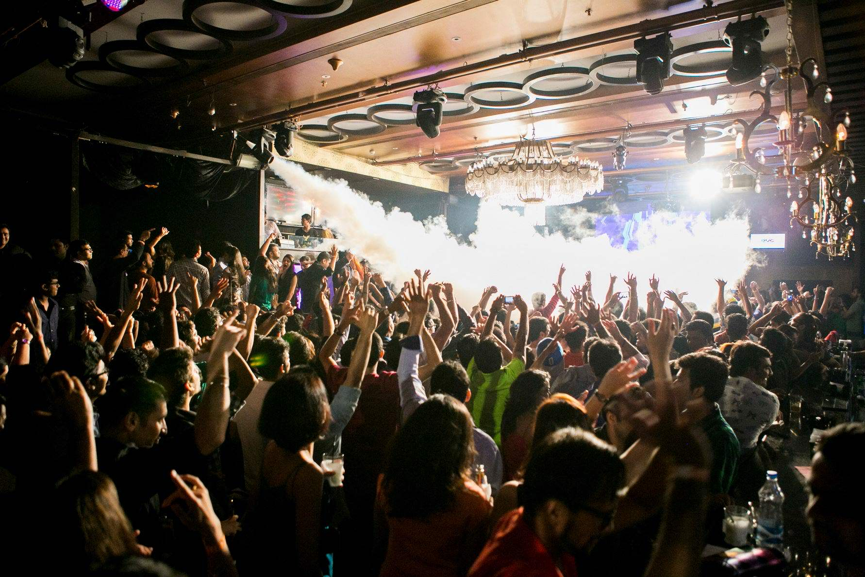 hook up clubs in mumbai 12 places where we indians hook up with new dates by harshit gupta october 6, 2014 we indians have this innate ability to take any accepted norm the world over and truly 'desi'fy it in our own way.