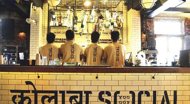 'Social' Is Offering Beer And Shots At Just ₹31 Everytime PM Modi Says #Mitron In His Speech!