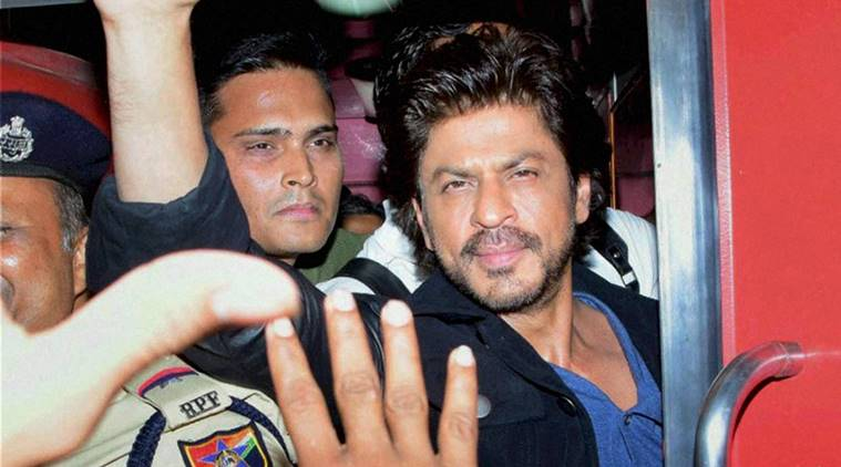 Shahrukh Khan was on a rail ride from Mumbai to Delhi to promote his upcoming movie Raees via August Kranti Express. The promotion turned into a tragedy when a fan who had come to see his favourite star at the Vadodara railway station died during a stampede chaos scene at the station. There was no place to move, The Vadodara railway station was packed with people all over. Shahrukh Khan along with the makers of the movie Raees was travelling in the train, Though Shahrukh did not deboard the train, People continued to shout his name. As soon as the train left the station, a stamped broke on the platform and in this scene one men was killed and the other was badly injured. Shahrukh had announced two days back about his journey from Mumbai to Delhi via Train. Thousands of people reached the Vadodara airport hours before arrival of the train just to get a glimps of Shahrukh. So what do you think ? Who is to be blamed for such incident at Vadodara railway station ?