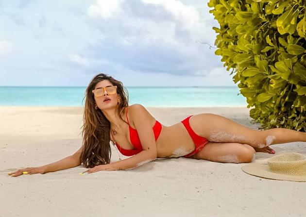 karishma sharma bikini