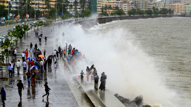7 Reasons Why One Should Never Miss Mumbai Monsoon