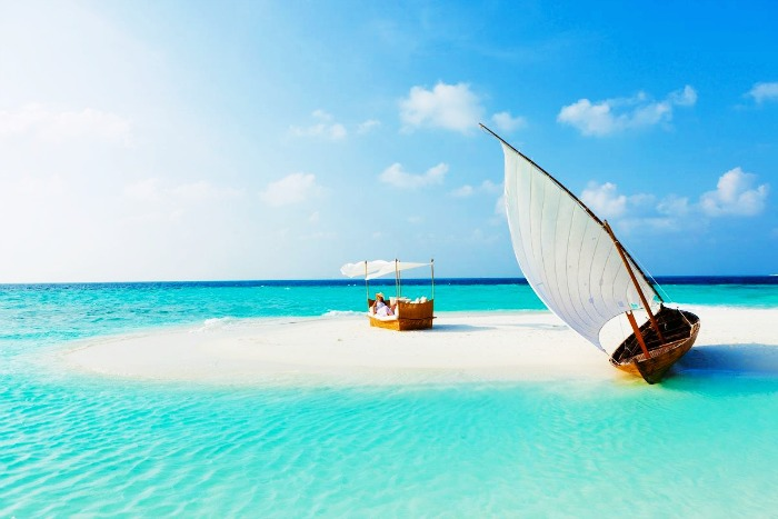Top 5 Reasons To Honeymoon In Maldives: 7 Reasons Why Honeymoon In Maldives Is Awesome