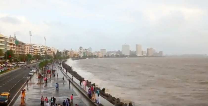 After watching this video you will feel like going to Marine Drive in Mumbai right now
