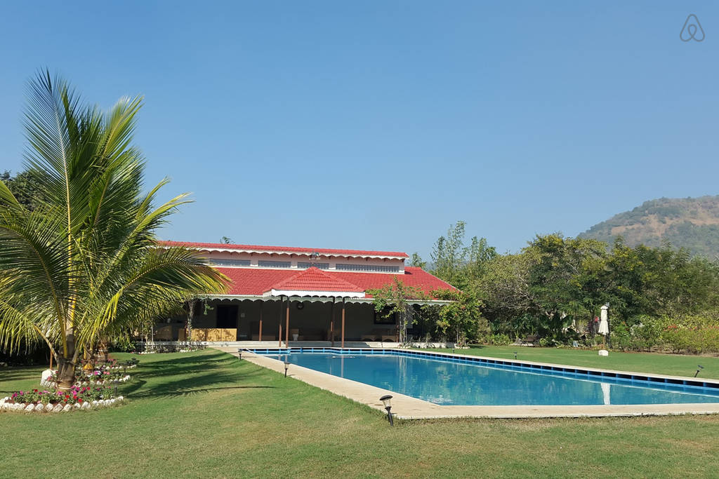 Airbnb Luxury Hillside Bungalow in Alibaug