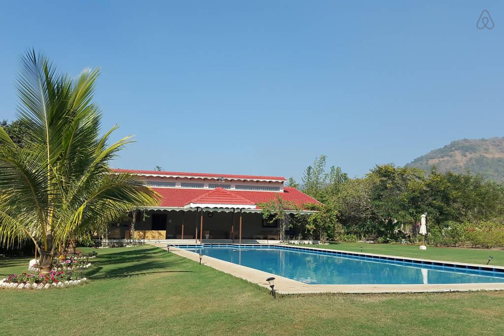 Airbnb Luxury Hillside Bungalow in Alibaug