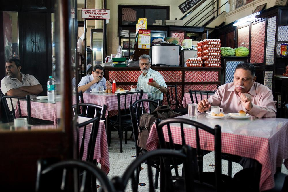 Kyani bakery & co. – Mumbai's oldest Irani café