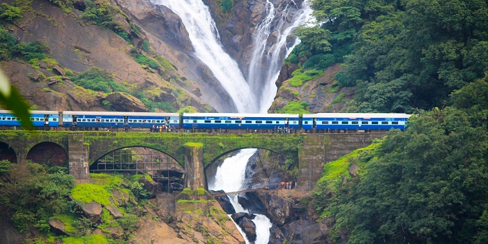 mumbai to goa train