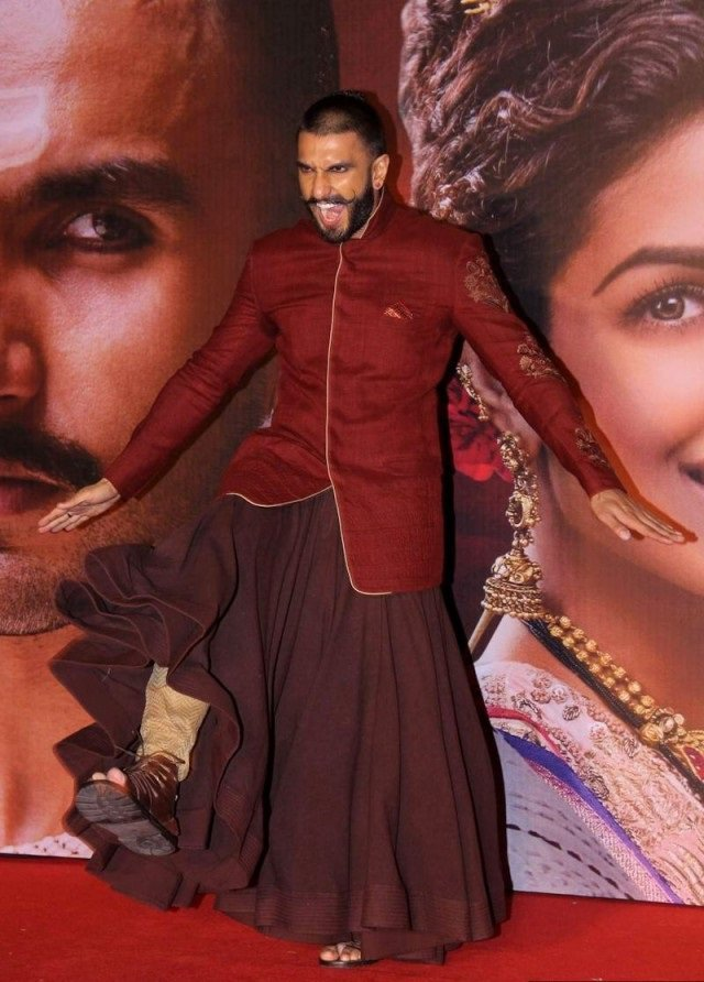 ranveer singh wearing skirt