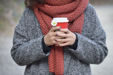A gigantic Scarf to keep Your Neck for winter wear