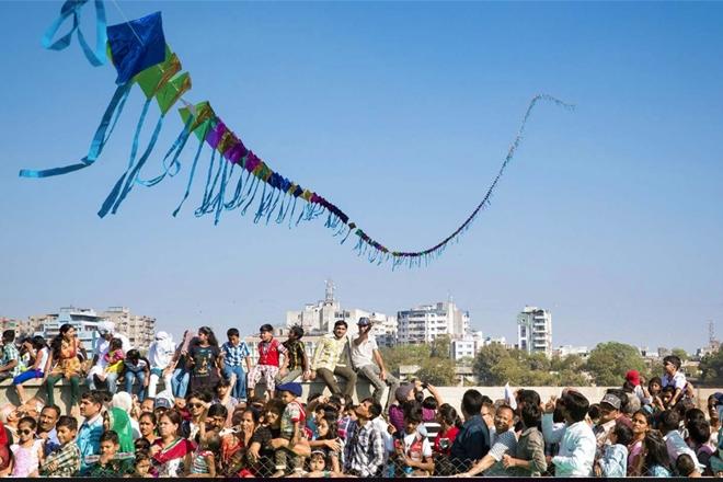 makar sankranti images kites