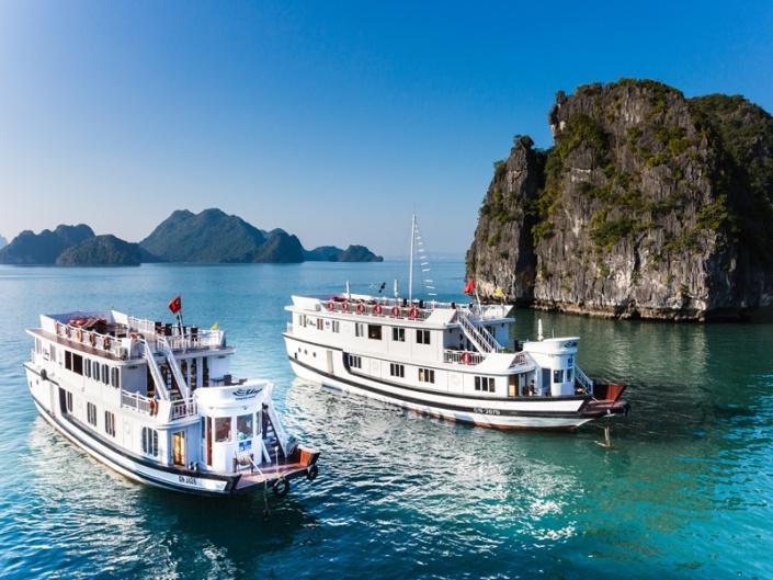 Boating at Ha Long Bay