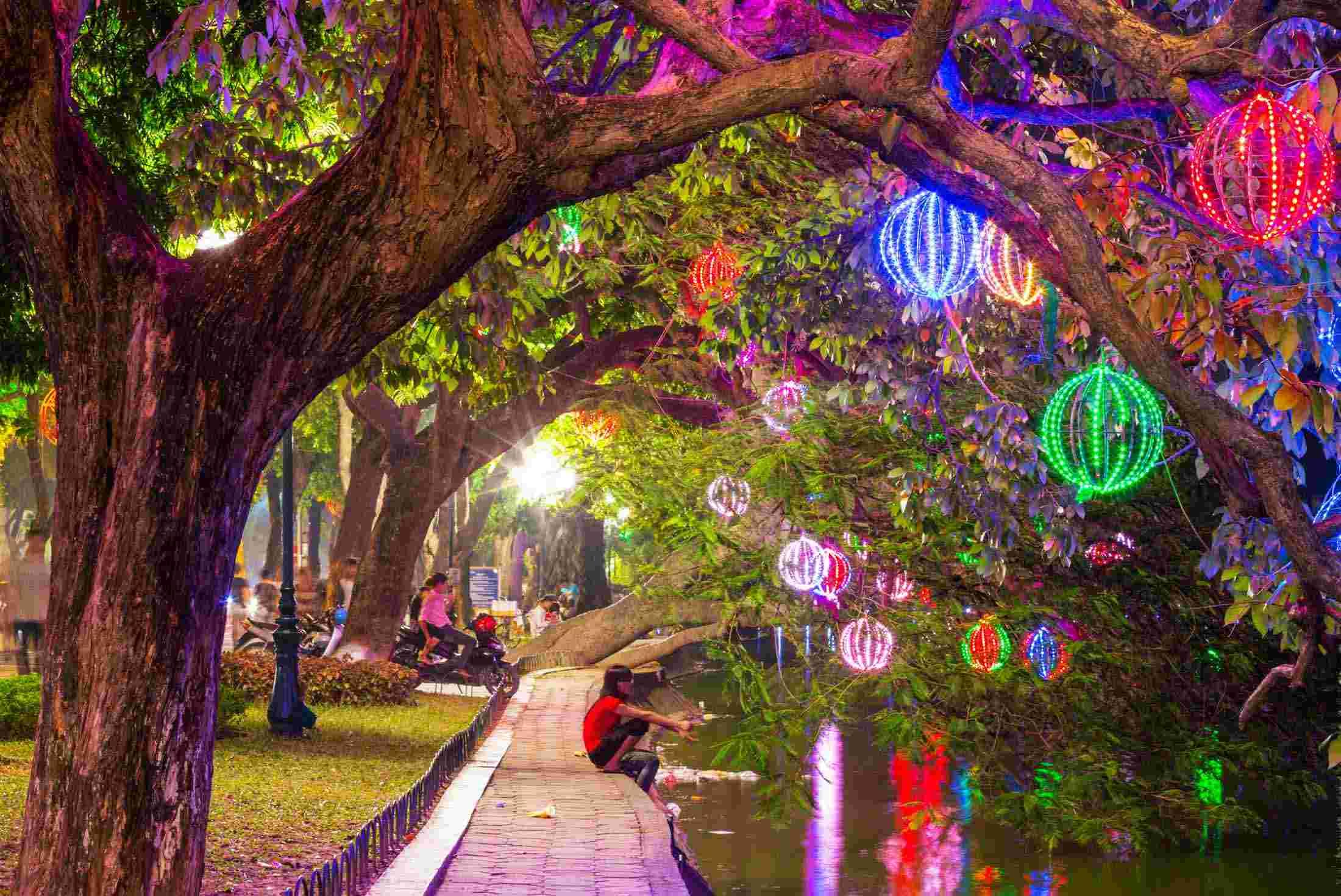 vietnam hanoi lights