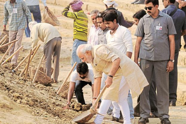 narendra modi swachh bharat