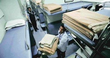 Last Year, Passengers Stole 1.95 Lakh Towels, 81,736 Bedsheets & 55,573 Pillow Covers From Trains