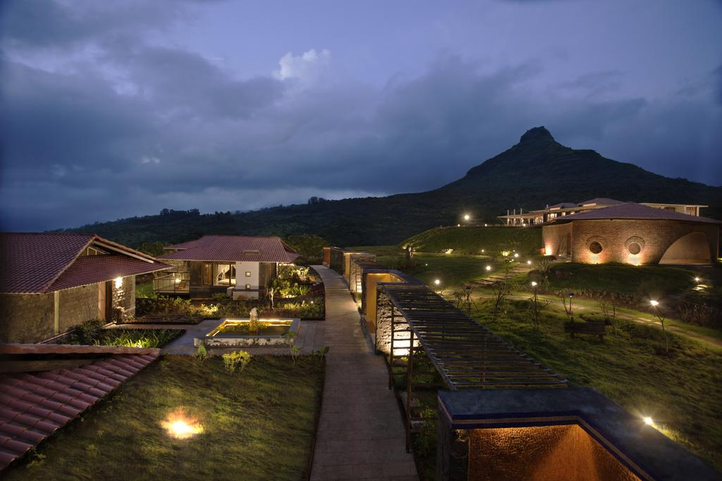 Amanzi Resort
