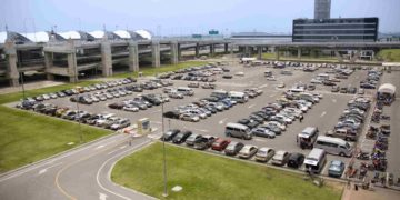 Pros and Cons of Airport Parking