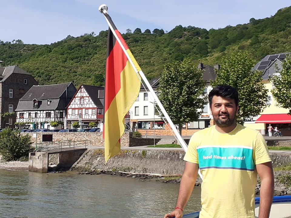 Cruise on river Rhine germany.jpg