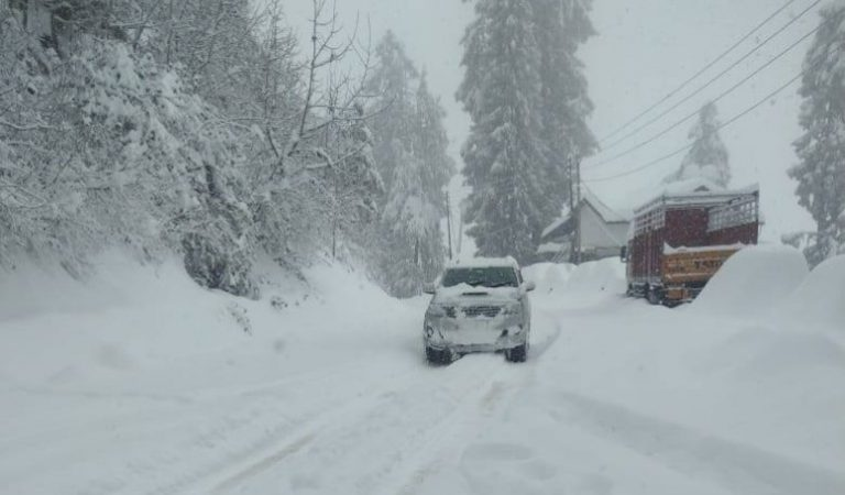 Cancel Plans For Shimla And Manali As 250 Roads Are Blocked Due To Heavy Snowfall