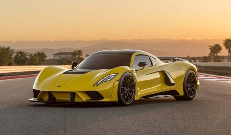 Top 10 Fastest Cars in the World You'll Want to Drive