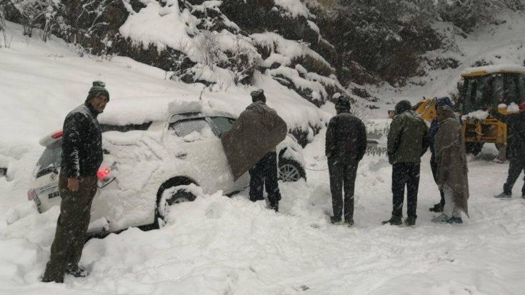 shimla manali highway snowfall