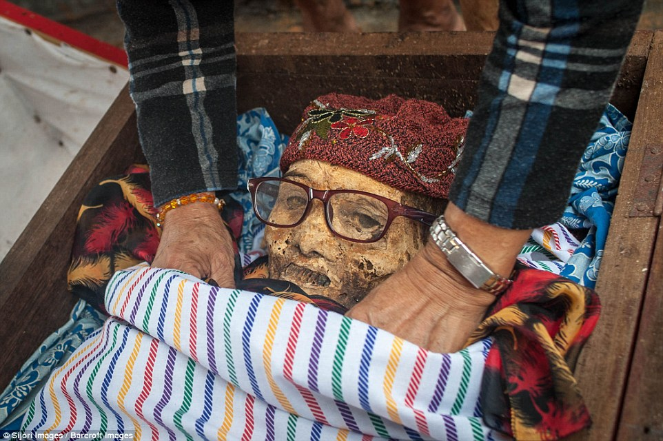 Ma'nene ritual at Panggala Village dead festival