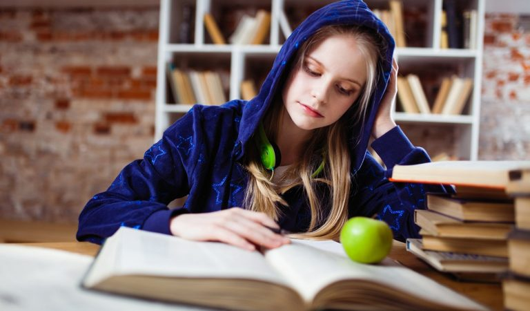 Tips for Eating Well as a Poor College Student