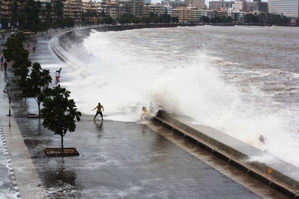 Cyclone Nisarga Will Cross Close to Mumbai, Shows IMD Track