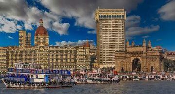 Taj Hotel Mumbai Receives Bomb Threat From Pakistan | Caller Claims To Be LeT Terrorist