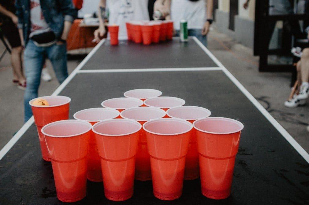 beer pong dinking game
