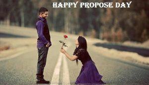 girl proposing guy