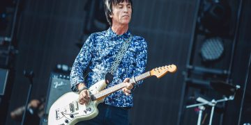 How did Famous Guitarists like Johnny Marr Learn to Play